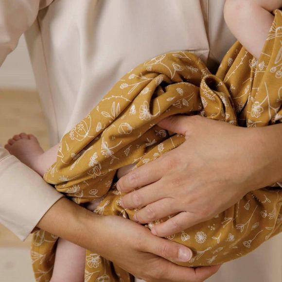 Εικόνα της Κουβερτάκι αγκαλιάς - ύπνου Wild Flowers Ochre 120X120εκ Little Dutch